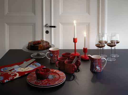 For the cozy tea-time iittala provides the perfect design pieces. Besides perfectly shaped mugs and drining glasses, nice silverware sets and candle holder can be discovered.