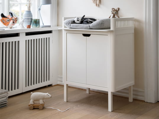 The designer dresser is finished with non-toxic spray paint and is safe for babies. Of course, the chest of drawers offers sufficient storage room for all baby accessories.