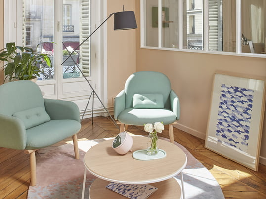 With the Georges Armchair in water green and the Eugénie Couch table in white you can create a playful and elegant interior. The Élisabeth floor lamp in slate grey sets another beautiful accent.