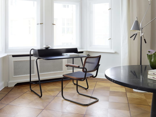 Lifestyle product image of the S 1200 secretary desk by Thonet. The secretary desk by Randolf Schott for Thonet has been specially designed to use in your own home office.