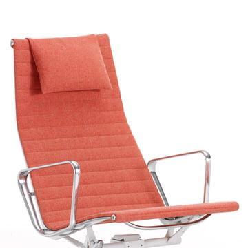 Vitra - Aluminium Chair EA 124, red / champagne - close