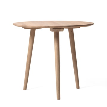In Between table SK3 Ø 90 cm by &Tradition in oiled white oak