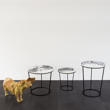 Chiara side table made of powder-coated steel