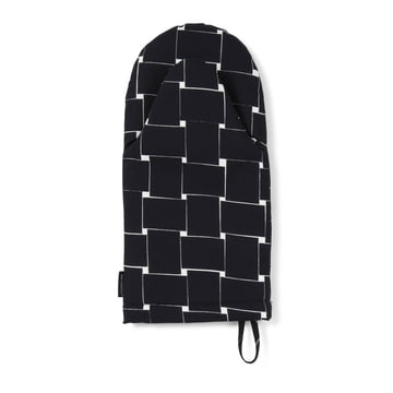 Basket Oven Mitten by Marimekko in black / white