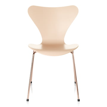 Series 7 Chair from Fritz Hansen in Nude / Rosé-Gold