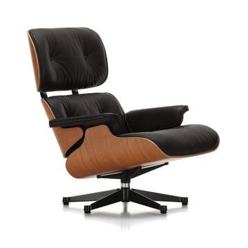 Vitra - Lounge Chair, polished / black sides, americ. cherrywood, Premium nero leather, felt glides (classic size)