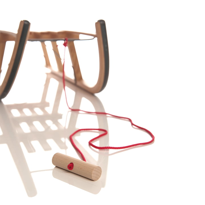 Sirch - rope in red with wooden knob