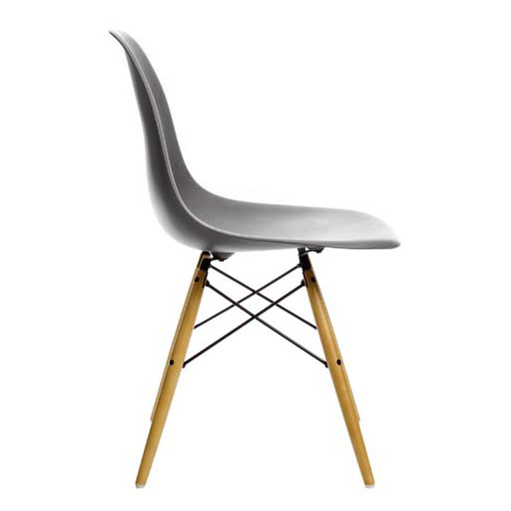 Vitra - Eames Plastic Side Chair DSW, yellowish maple / basalt