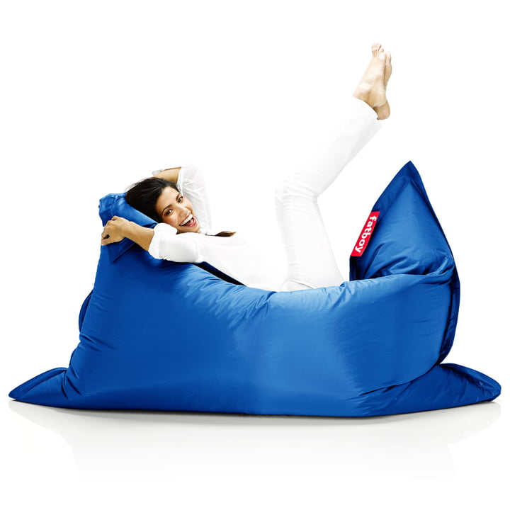 Fatboy, Original beanbag - situation with woman on beanbag, blue