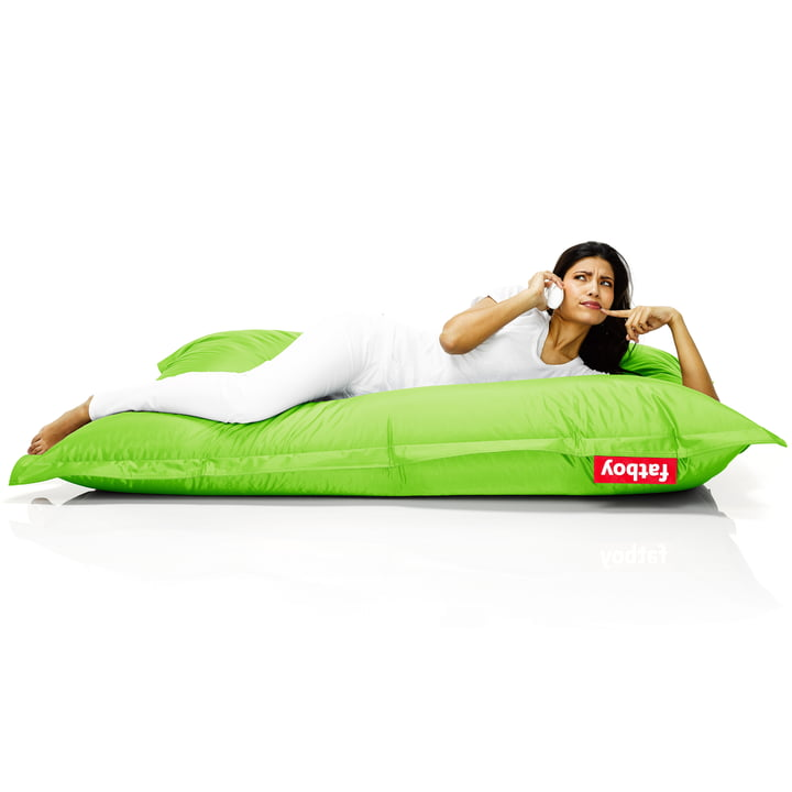 Fatboy, Original beanbag - situation with woman on beanbag, green
