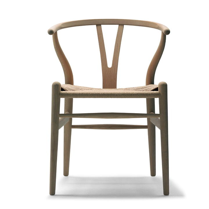 CH24 Wishbone Chair by Carl Hansen in oak oiled / natural wickerwork