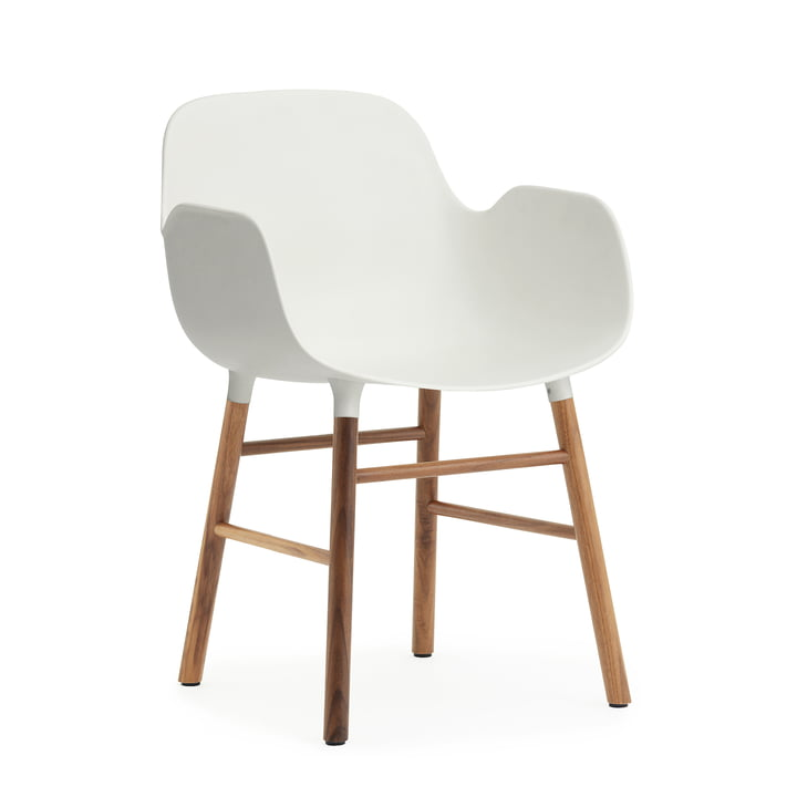 Normann Copenhagen - Form Armchair, Wood Legs, Walnuss / weiß