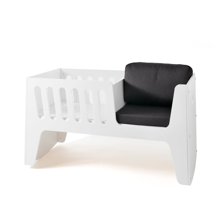 Rocky baby bed and cot by Jäll & Tofta in white with bed linen in asphalt
