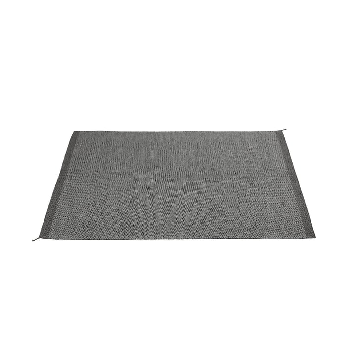 The Ply rug 170 x 240cm in dark grey by Muuto