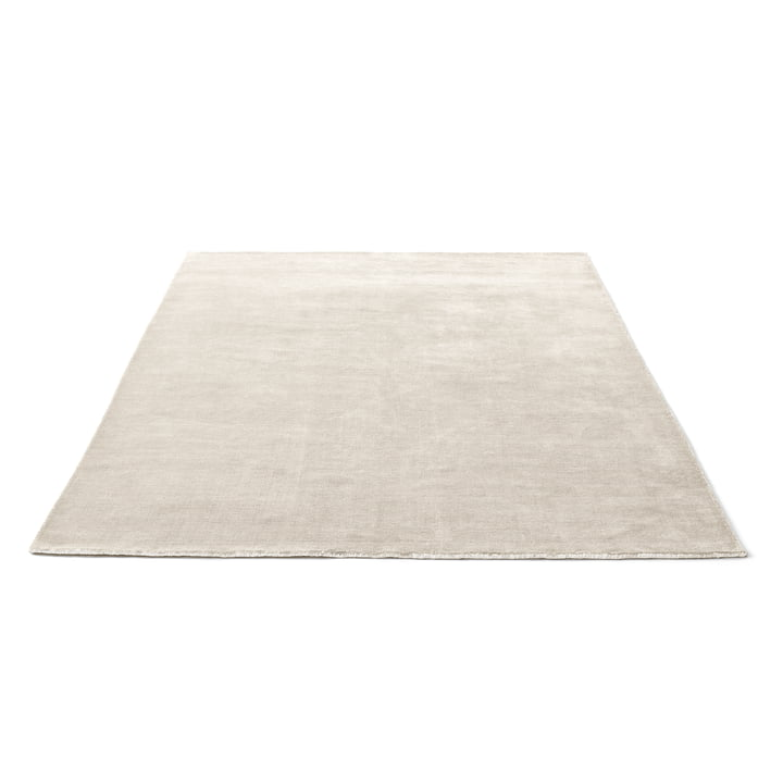 The & Tradition The Moor Rug - AP7 with a size of 200 x 300 cm in Beige Dew
