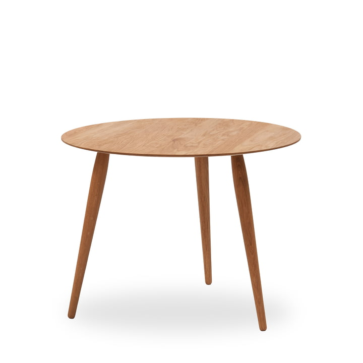 Play Round Wood Side Table Ø 75 cm by bruunmunch in oak nature