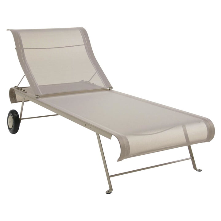 Dune Sun lounger from Fermob in nutmeg