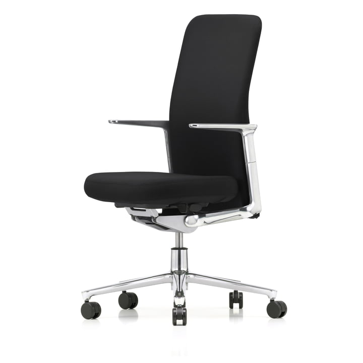 Pacific Chair high with headrest by Vitra with fixed aluminium armrests, five-star polished aluminium frame, castors carpet, seat and back black / nero (Plano)
