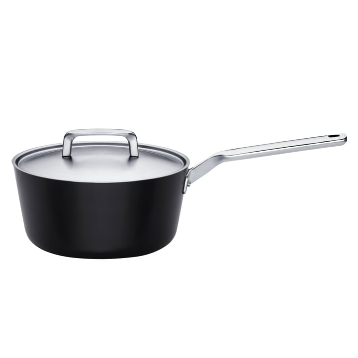 Rotisser Sauté Pan with Lid l Ø 24 cm by Fiskars.
