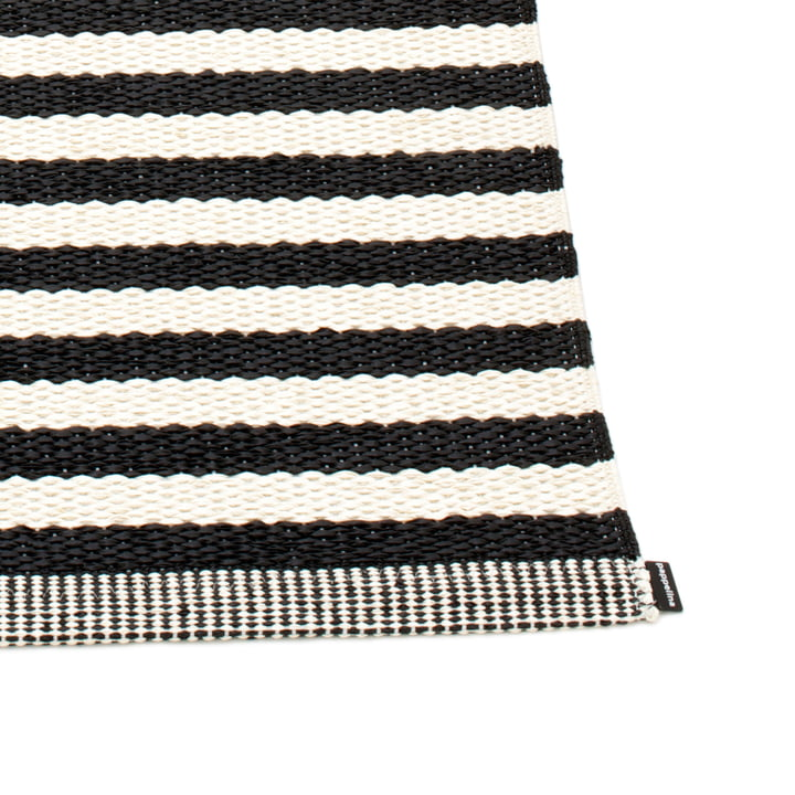 Duo Rug by Pappelina in Black / Vanilla