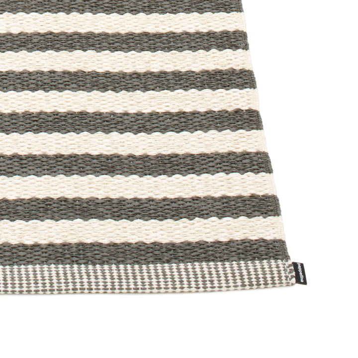 Duo Rug by Pappelina in Charcoal / Vanilla.