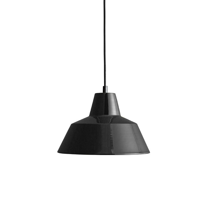 Workshop Lamp W2 by Made by Hand in Glossy Black / Black