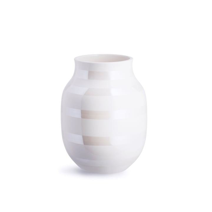 Omaggio Vase H 200 from Kähler Design in mother of pearl