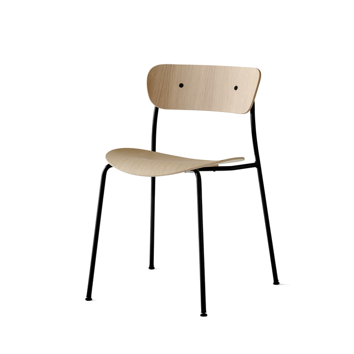 &Tradition - Pavilion Chair by &Tradition, Black Base / Lacquered Oak
