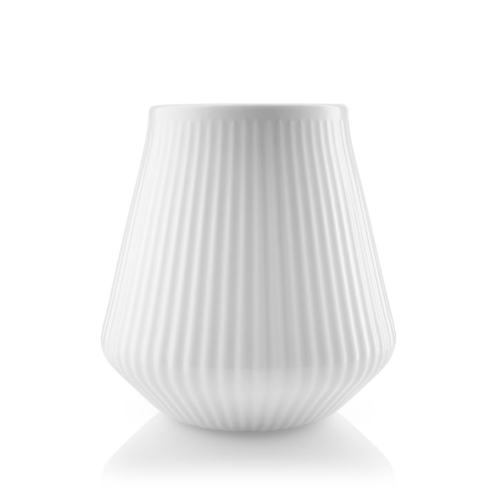Legio Nova Vase small, H 15,5 cm in white by Eva Trio