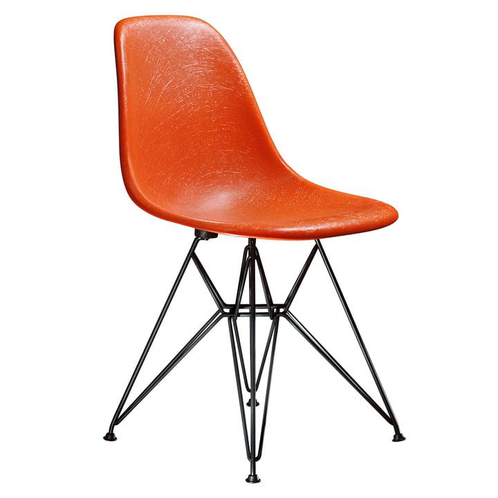 Eames Fiberglass Side Chair DSR from Vitra - basic dark / Eames red orange