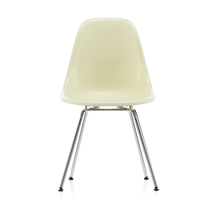 Eames Fiberglass Chairs DSX by Vitra in chromed / Eames parchment (felt glider basic dark)