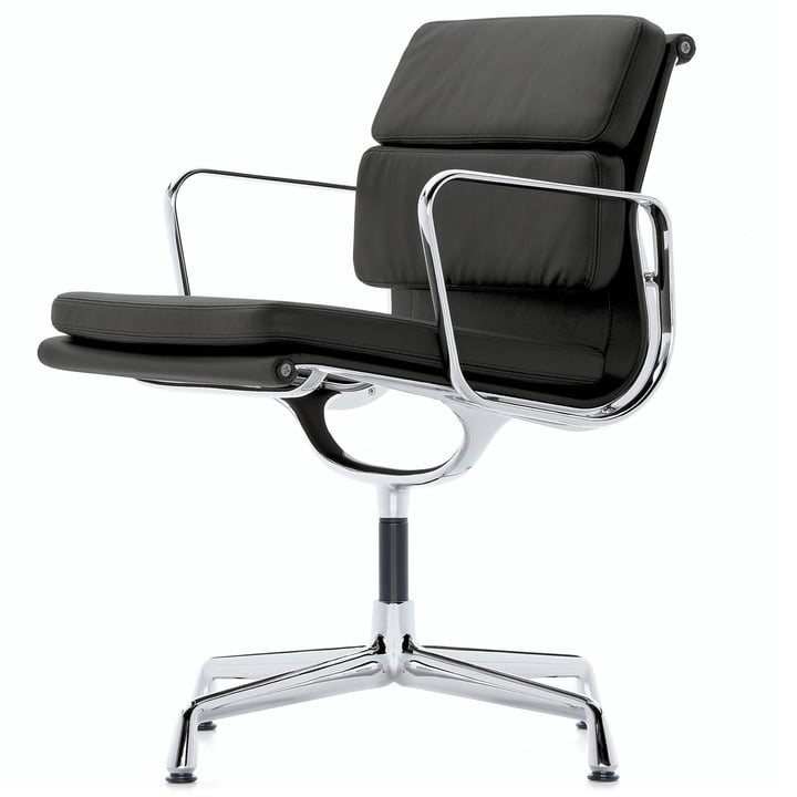 EA 208 Soft Pad Chair polished aluminium with armrests rotatable by Vitra in leather premium black