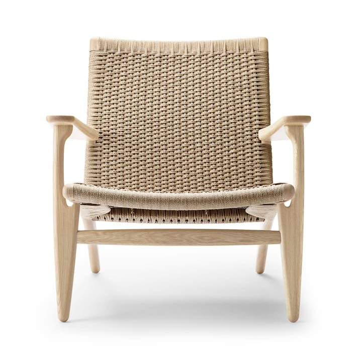 CH25 armchair from Carl Hansen in oak soap / nature