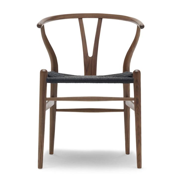 CH24 Wishbone Chair from Carl Hansen in walnut oiled / black braid