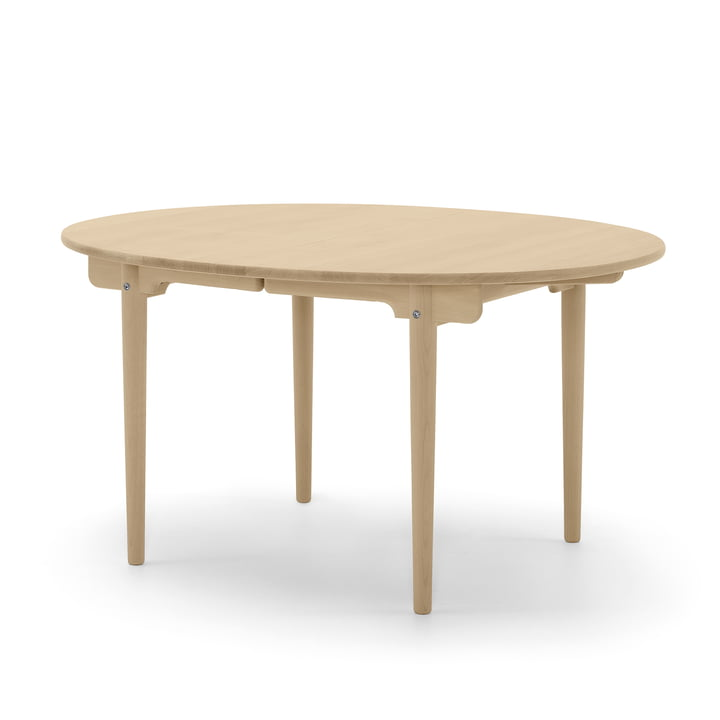 CH337 extendable dining table 140 x 115 cm by Carl Hansen in oak oiled