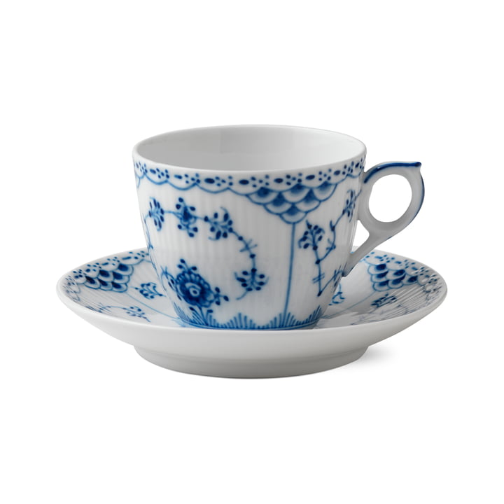 Musselmalet half-tip cup and saucer 17 cl in white / blue from Royal Copenhagen
