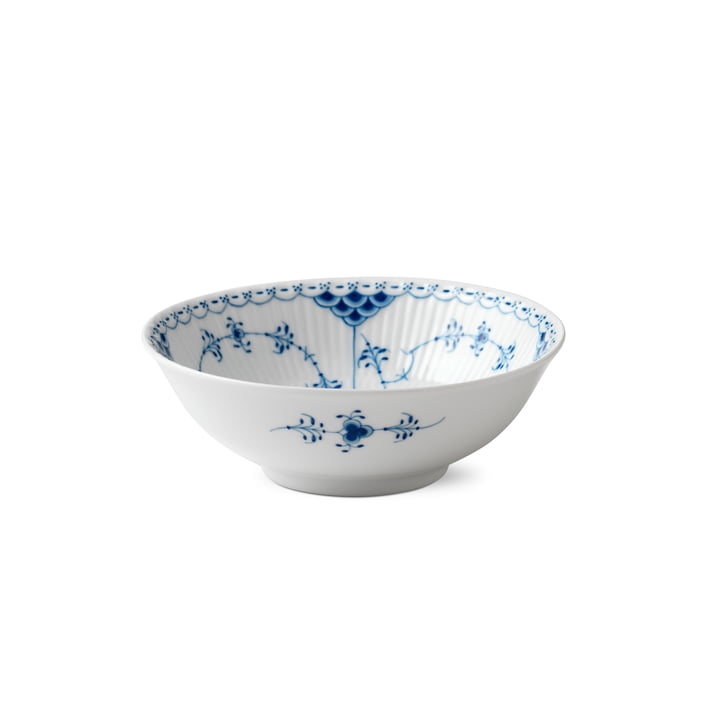 Musselmalet half-tip bowl Ø 16 cm from Royal Copenhagen