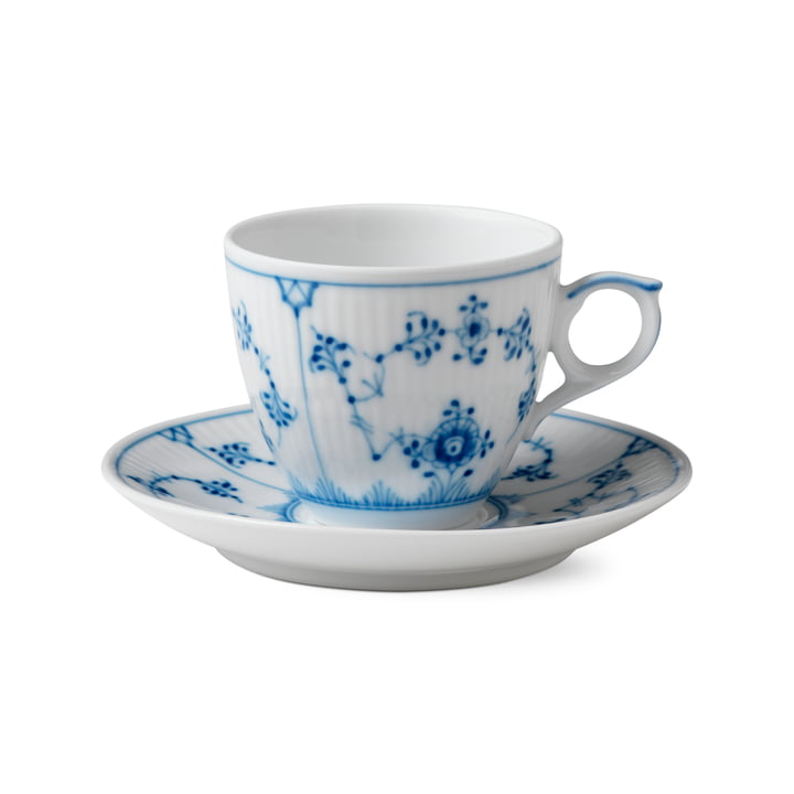 Musselmalet Ribbed espresso cup with saucer 10 cl in white / blue by Royal Copenhagen