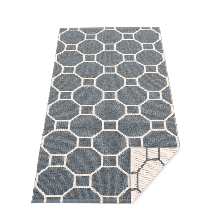 Squeegee reversible carpet, 70 x 150 cm in granite / vanilla by Pappelina