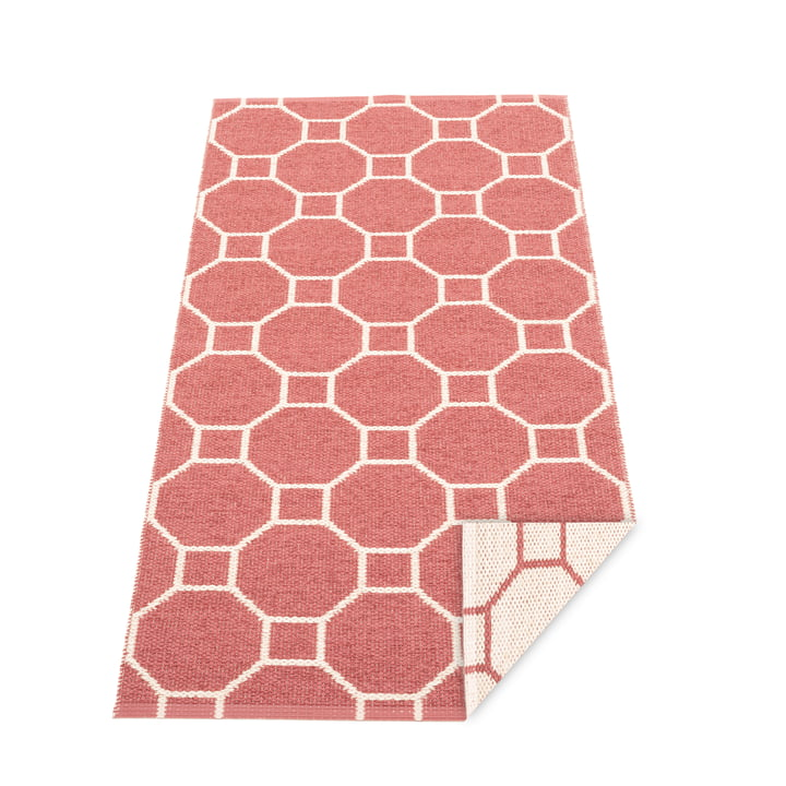 Squeegee reversible carpet, 70 x 150 cm in blush / vanilla by Pappelina