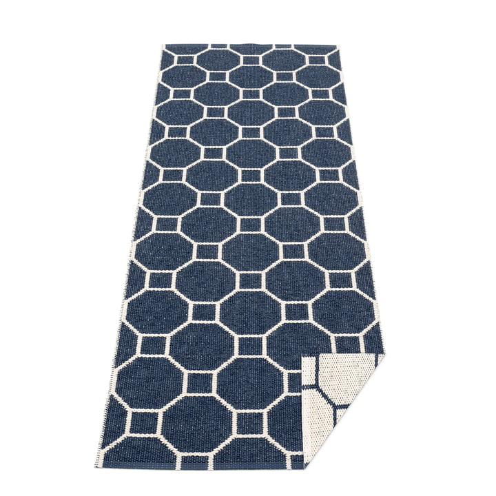 Doctor blade reversible carpet, 70 x 225 cm in dark blue / vanilla by Pappelina