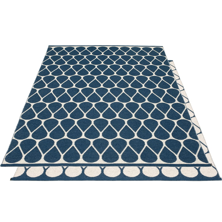 Otis reversible carpet, 180 x 275 cm in ocean blue / vanilla by Pappelina
