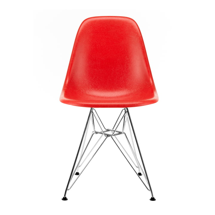 Eames Fiberglass Side Chair DSR from Vitra in chrome-plated / Eames classic red