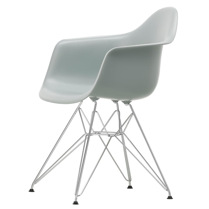 Eames Plastic Armchair DAR by Vitra in chrome / light grey
