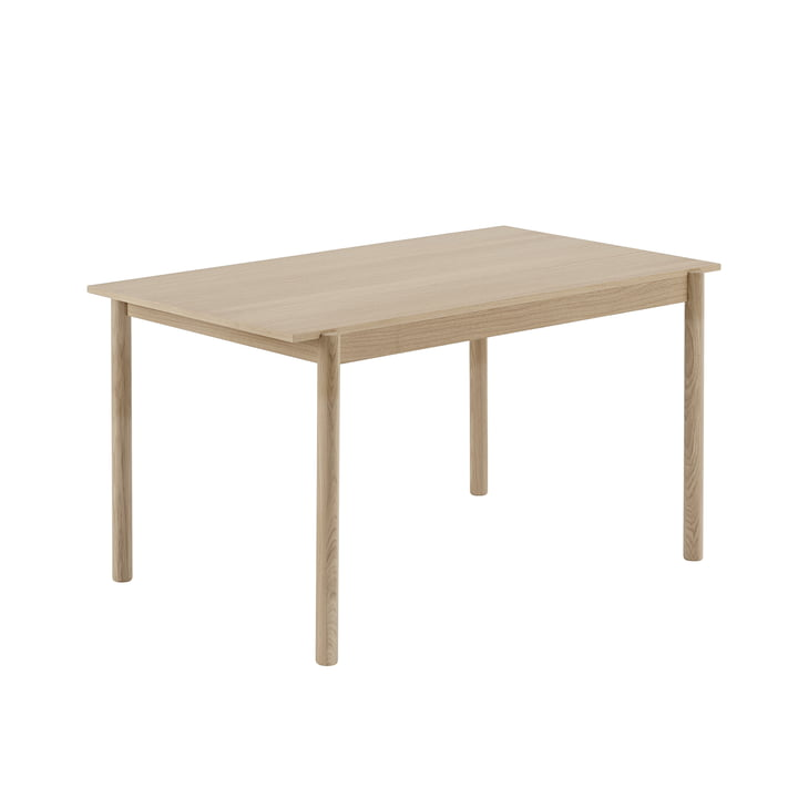 Linear Wood dining table 140 x 85 cm in oak by Muuto