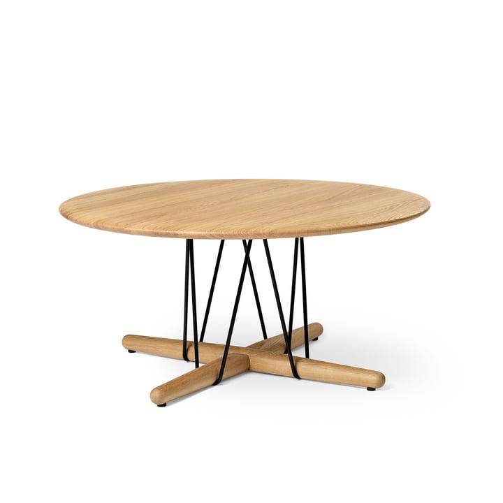 E021 Embrace coffee table, Ø 80 x H 38 cm in oak oiled / black by Carl Hansen