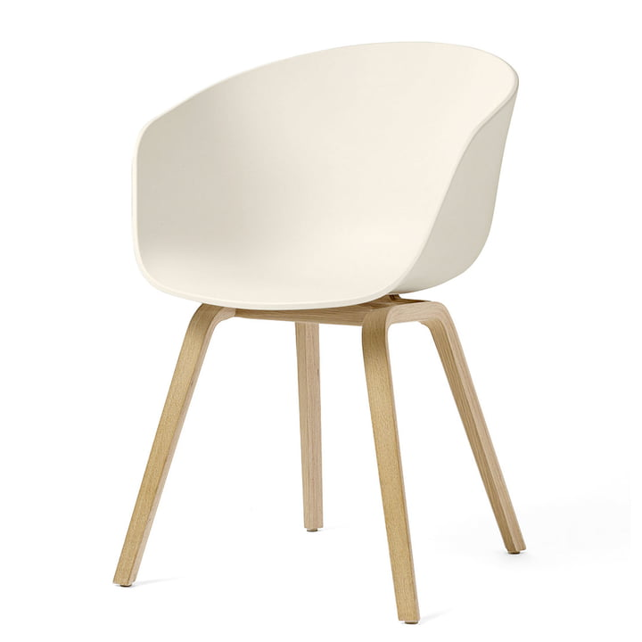 About A Chair AAC 22 wooden four-legged frame, soaped oak / cream white (felt glides) by Hay