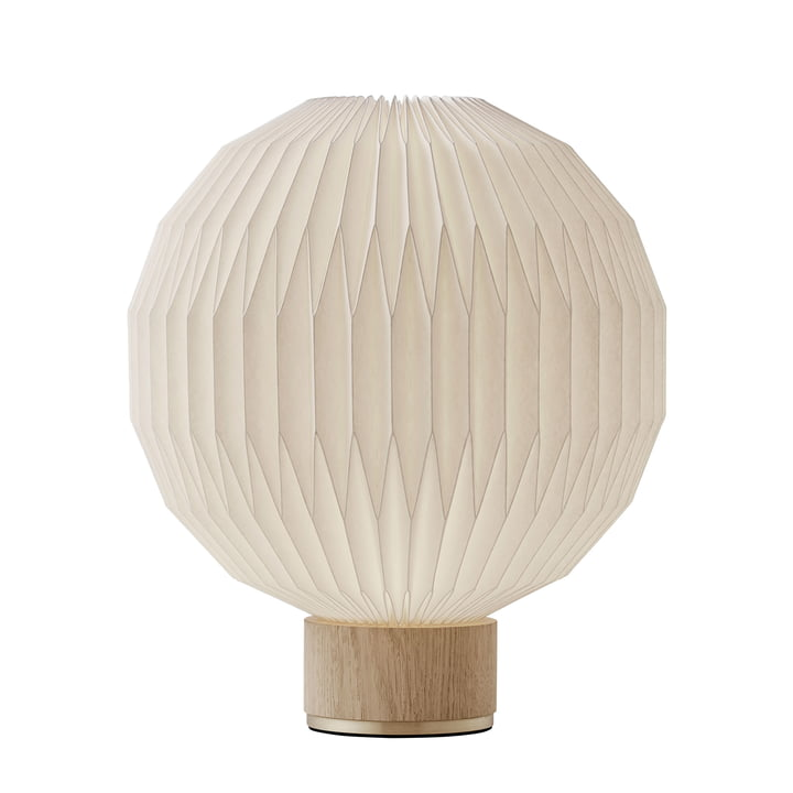 375 Table lamp medium from Le Klint in oak / white