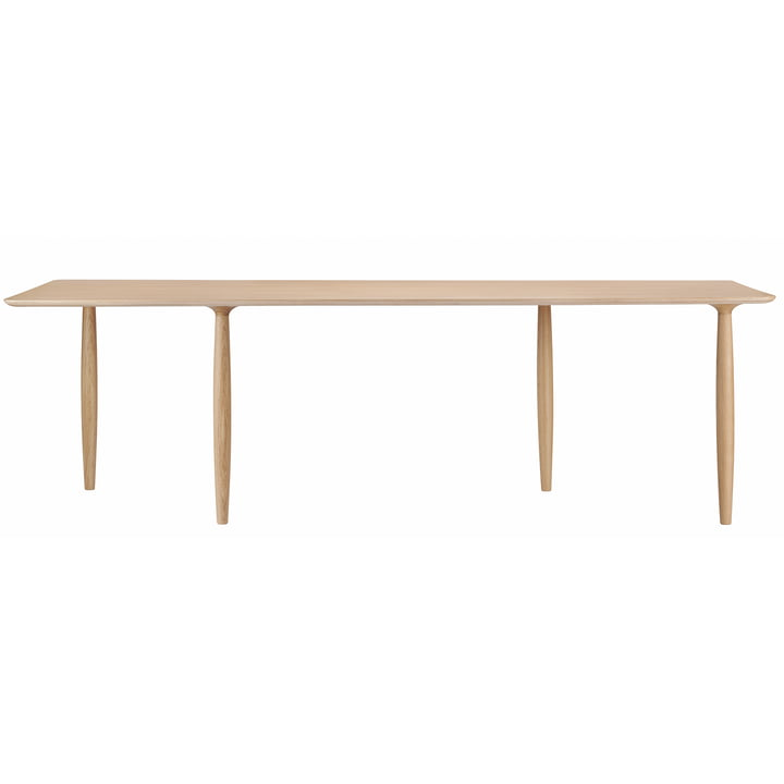 Oku dining table 200 x 94 cm from Norr11 in oak nature
