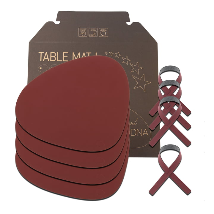 Gift set Curve L by LindDNA in Nupo red (4 placemats + 4 napkin rings)